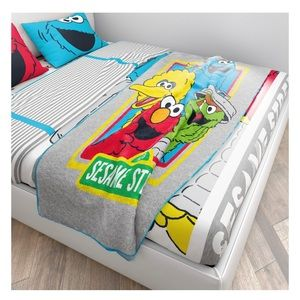 Sesame Street microfiber plush throw blanket NWT